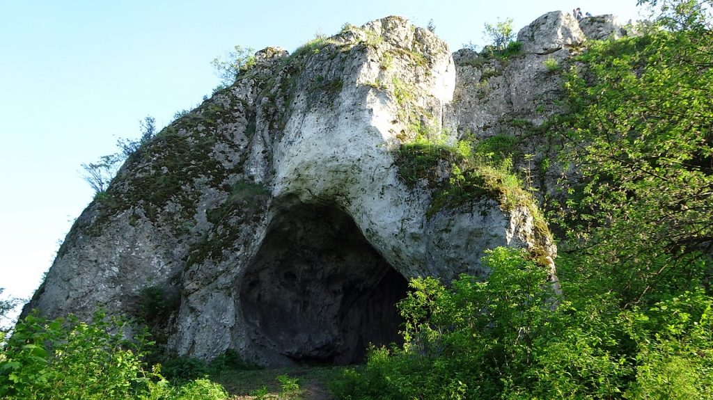 Entrance to the Clock's Cave